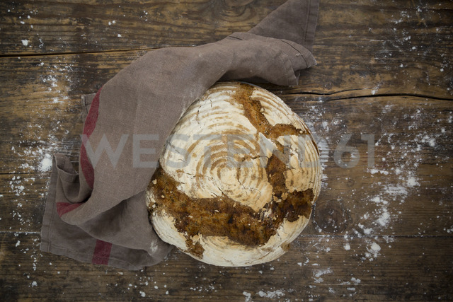 Homemade sourgough rye bread - LVF06906