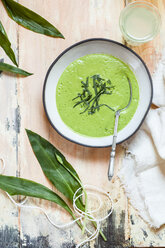 Bowl of ramson soup garnished with ramson - SBDF03568
