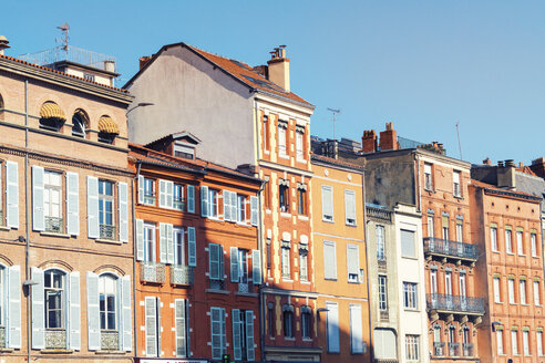 France, Haute-Garonne, Toulouse, Old town, Historic buildings at Place Saint-Etienne - TAMF01064