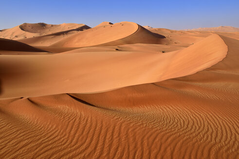 Oman, Dhofar, sand dunes in the Rub al Khali desert - ESF01628