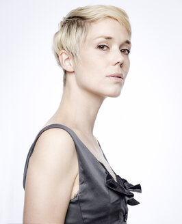 Portrait of woman with blond dyed hair - FLLF00028