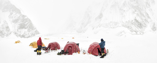 Nepal, Solo Khumbu, Everest, Mountaineers at Camp 1 - ALRF01131