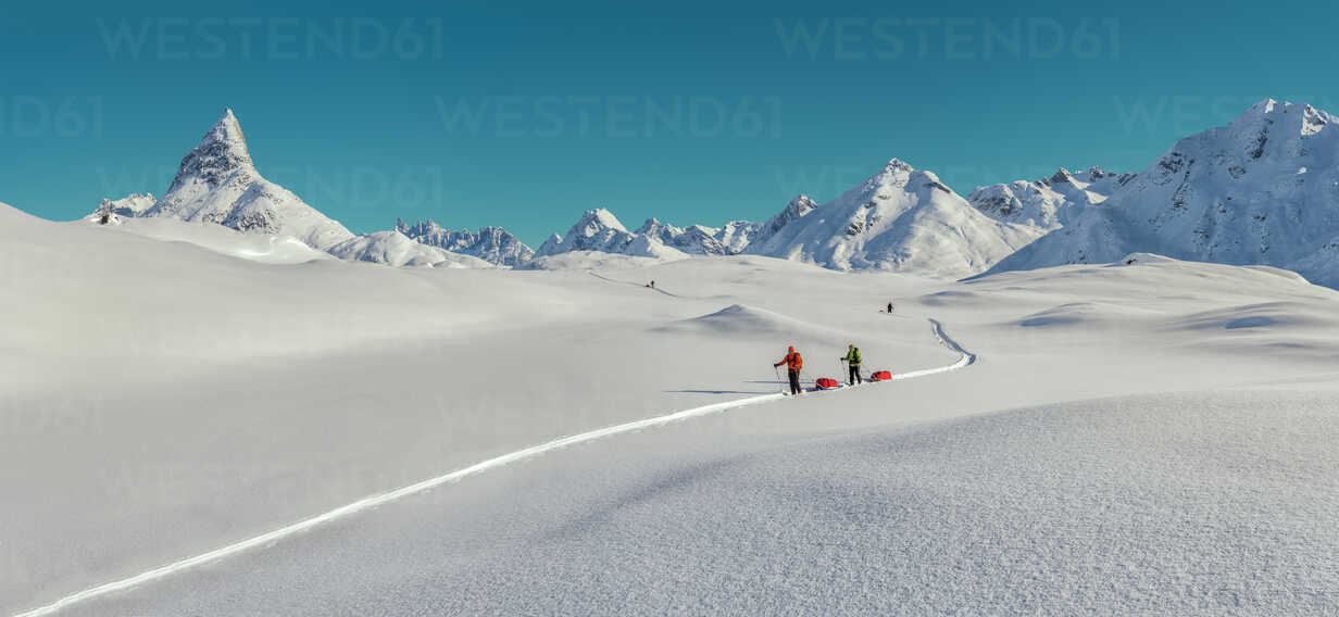Greenland, Schweizerland Alps, Kulusuk, Tasiilaq, ski tourers - ALRF01219 - Alun Richardson/Westend61