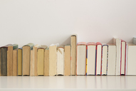 Row of books - CMF00810