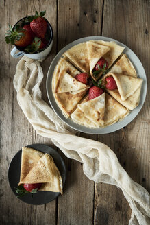 Homemade pancakes with  strawberries - BZF00385