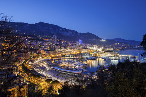 Principality of Monaco, Monaco, Monte Carlo and Port Hercule in the evening light - ABOF00341