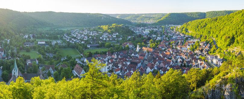 Germany, Baden-Wuerttemberg, Swabian Alb, Panoramic view of Blaubeuren - WGF01186