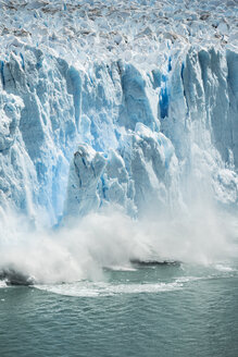 Ice from Perito Moreno Glacier falling into Lake Argentino, Los Glaciares National Park, Patagonia, Chile - CUF08018