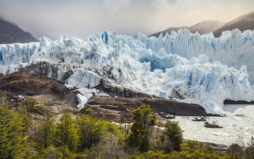 View of mountains and Perito Moreno Glacier, Los Glaciares National Park, Patagonia, Chile - CUF08027