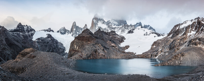 Panoramic of low cloud over  Fitz Roy mountain range and Laguna de los Tres in Los Glaciares National Park, Patagonia, Argentina - CUF08042