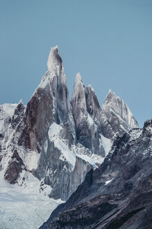 Blue sky over Cerro Torre and Fitz Roy mountain ranges, Los Glaciares National Park, Patagonia, Argentina - CUF08057