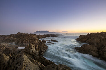 Africa, South Africa, Cape Town, View from beach to Table Mountain in the evening - ZEF15494