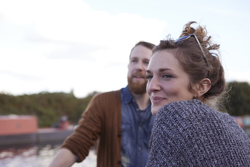 Couple on canal boat - CUF09936