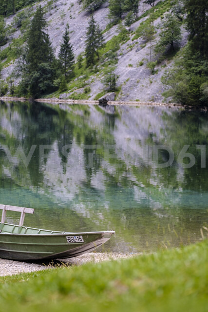 Germany, Bavaria, Berchtesgaden Alps, Obersee, Lakeshore and boat - HAMF00313