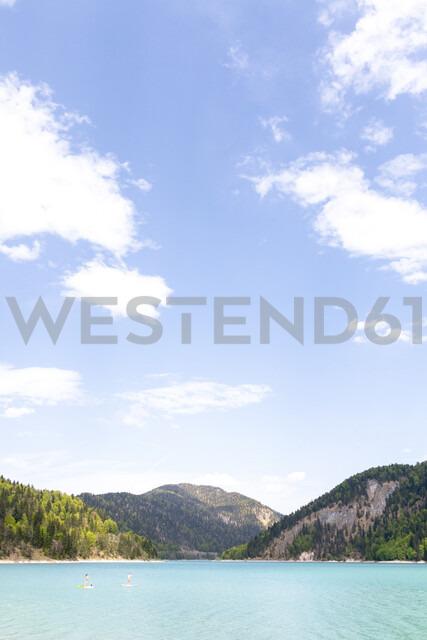 Germany, Bavaria, Sylvenstein Dam, View to Karwendel mountains in Austria - MMAF00354