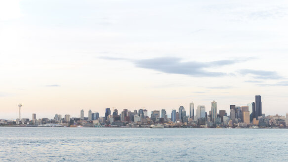 USA, Washington State, Seattle, Skyline in the evening - MMAF00357