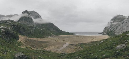 Norway, Lofoten, Moskenesoy, Bunes Beach - GUSF00842