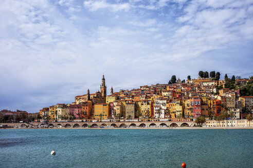 France,  Provence-Alpes-Cote d'Azur, Menton, Old town, French Riviera at Mediterranean Sea - ABOF00358