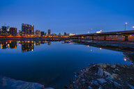 Canada, Quebec, Montreal, Skyline at night - LOMF00722