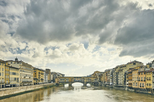 View of Arno river and Ponte Vecchio, Florence, Italy - CUF16795