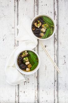 Japanese miso soup, sugar peas, shitake, tofu and mung sprouts - LVF07000