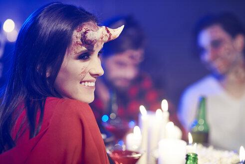 Portrait of woman in creepy Halloween costume - ABIF00490
