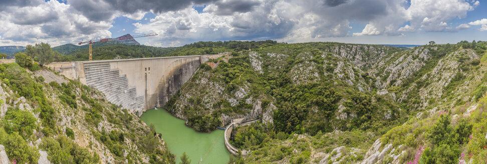 France, Provence-Alpes-Cote d'Azur, Beaurecueil, Bimont Dam - FRF00662