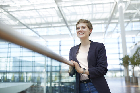 Portrait of blond businesswoman - PNEF00694