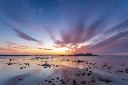 United Kingdom, Scotland, East Lothian, North Berwick, Firth of Forth, view of Fidra Island at sunset, lighthouse - SMAF01014