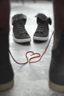 Two pair of shoes, symbol love - REAF00266