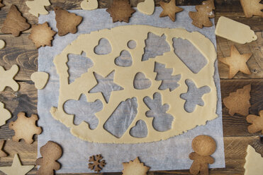 Preparing Christmas cookies - SKCF00504