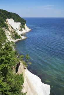 Germany, Mecklenburg-Western Pomerania, Ruegen, Sassnitz, Jasmund National Park, chalk coast - ELF01880
