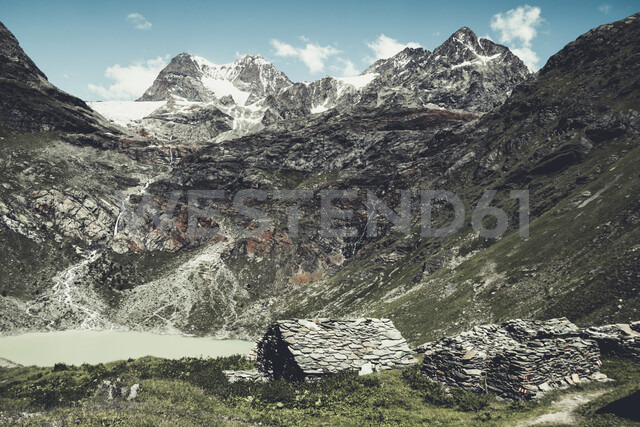 Italy, Lombardy, Campo di Moro, reservoir and peak of Piz Palue - DWIF00923
