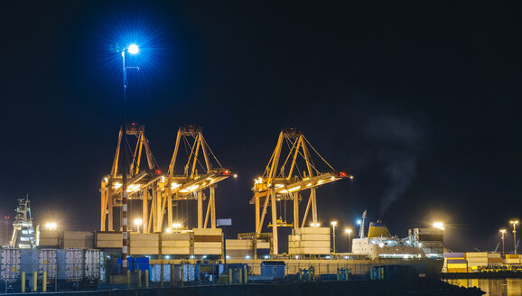 Container port at Puget Sound, Seattle, USA - ISF10496