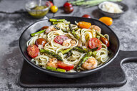 spaghetti with shrimps, green asparagus, tomato, pesto and parmesan - SARF03787