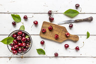 Sliced and whole cherries - SARF03796