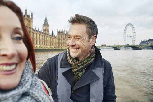 Mature couple sightseeing, London, UK - CUF33938