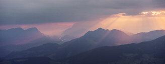 Austria, Tyrol, Inn Valley, Kellerjoch at sunrise - CVF00893