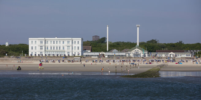 Germany, Lower Saxony, East Frisia, Norderney, West beach and Haus am Weststrand - WIF03538