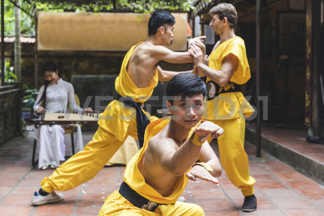 Vietnam, Hanoi, men exercising Kung Fu - WPEF00534 - William Perugini/Westend61