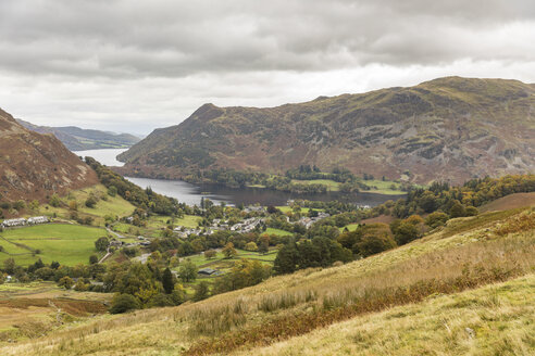 United Kingdom, England, Cumbria, Lake District, panoramic view of Glenridding and Ullswater lake - WPEF00555