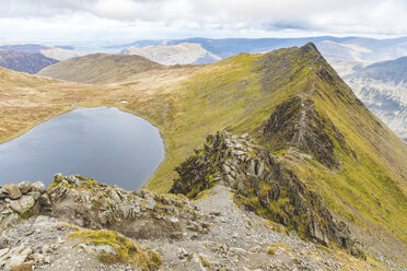 United Kingdom, England, Cumbria, Lake District, view of Striding edge and Red Tarn lake from Helvellyn peak - WPEF00558