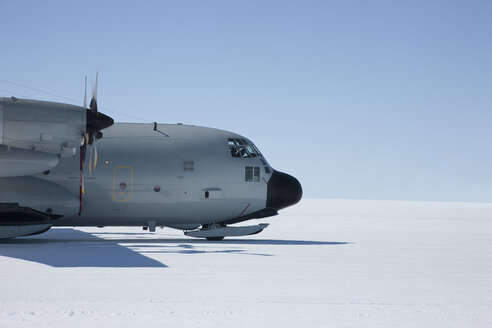 NY Air National Guard delivers scientists and supplies to Camp Raven to aid the study of Global Warming - ISF15196