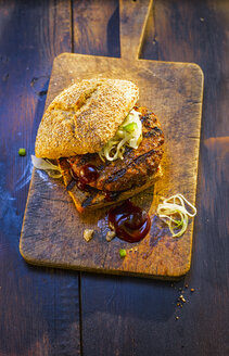 Burger on wooden board - KSWF01928