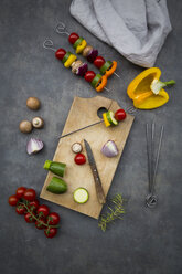Preparing of vegetarian grill skewers - LVF07182