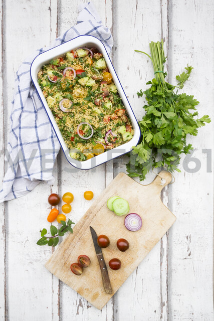 Couscous salad with tomatoes, cucumber, parsley and mint - LVF07200