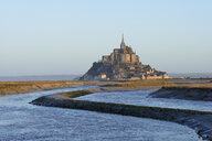 France, Normandy, view to Mont Saint-Michel at morning twilight - RUE01916