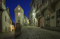 Austria, Upper Austria, Steyr, guild house in the town at night - EJWF00905