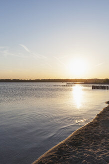 Germany, Leipzig, Cospudener See, sunset at Nordstrand - GWF05570