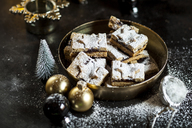 Linzer cookies with mulled wine filling - SBDF03645